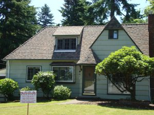 Sawtooth Roofing Completes Great Maywood Home